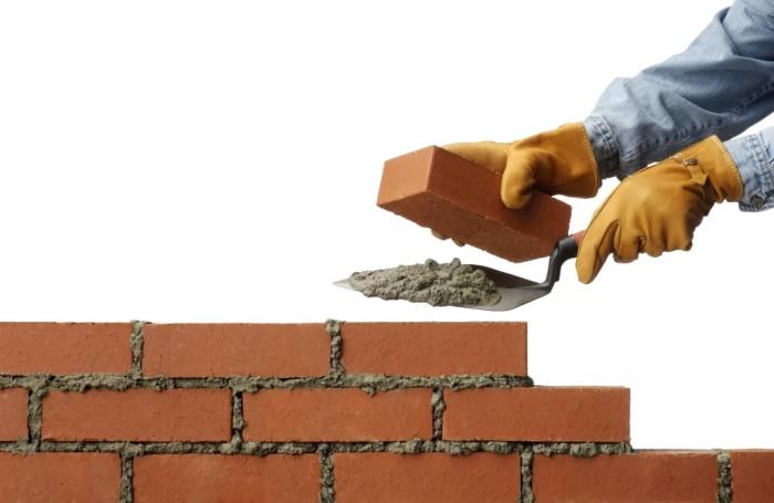 construindo-parede-de-tijolo